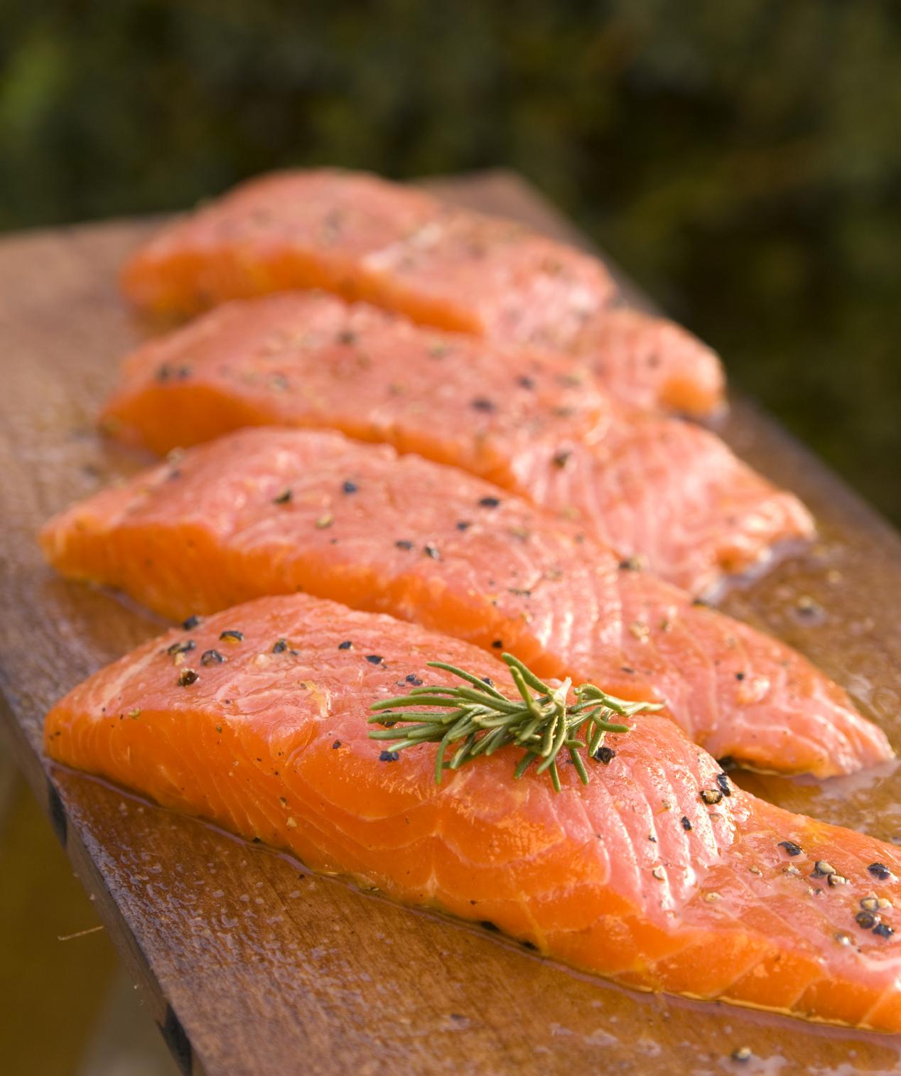 Salmone: proprietà benefiche, nutrizionali e calorie